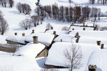 Vue sur les toits de Maljasset